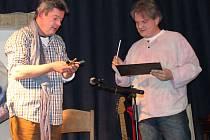 Martin Louženský(vpravo) s Alešem Hámou v Hudebním klubu Truhlárna