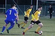 Fotbalisté Nového Strašecí v prvním jarním kole krajského přeboru prohráli s Poříčím 1:3.
