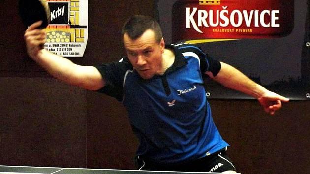 Hlavně v sobotním utkání rakovnický stolní tenista Jan Přibík prokázal dobrou formu a poradil si hned v úvodu s jedničkou Vršovic Kubou 3:1.
