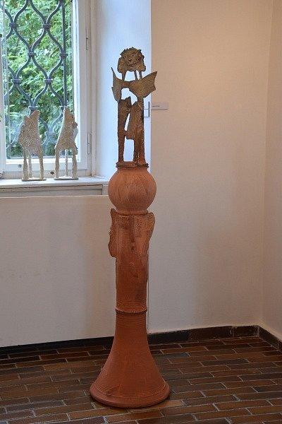 Slavnostní zahájení výstavy Keramika autora Miroslava Olivy ve výstavních síních Rabasovy galerie.