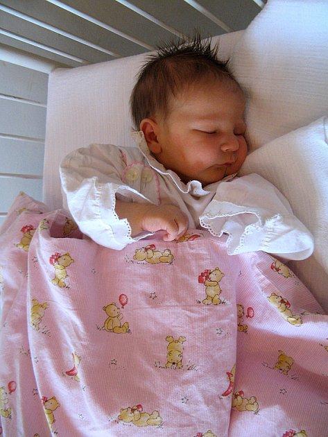 Kristýnka Muškátová ze Mšece se v rakovnické nemocnici narodila 14. února 2008 ve 14:04. Dívenka po narození vážila 3,4 kilogramu a měřila 48 centimetrů.