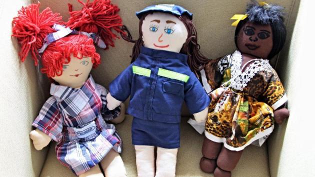 Nejkrásnější panenky pro projekt Miss panenka Středočeského kraje – junior vyrobily děti ze Slabců na Rakovnicku