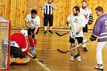 Retro hokejbal pomáhá, únor 2017