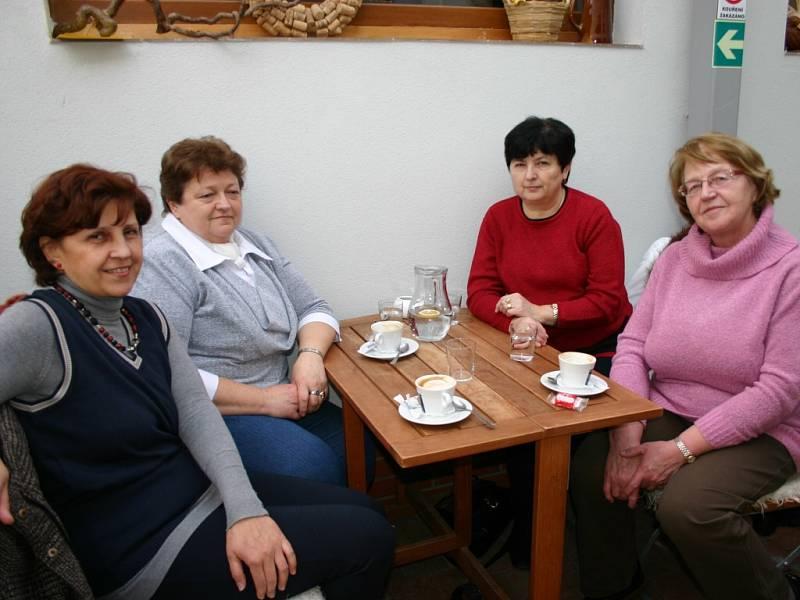 Zdena Fialová, Eva hoffmannová, Naďa Ullrichová, Milena Titlbachová