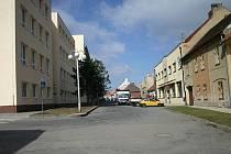 Nebezpečná křižovatka u školy v Novém Strašecí