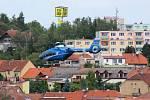 Pro těžce zraněného musel přiletět vrtulník.