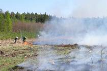 Požár lesa u Slabec