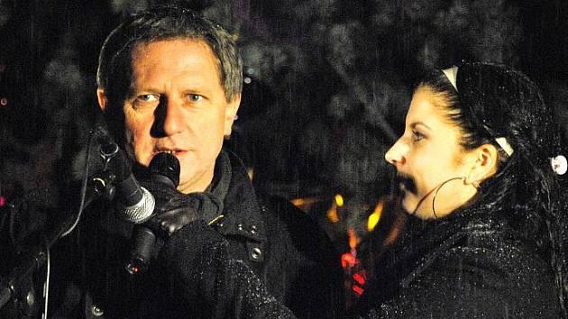 Rozsvícení vánočního stromu na Husově náměstí v Rakovníku