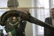 Výstava zbraní v rakovnickém muzeu