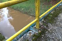 Lávka u čistírny odpadních vod v Rakovníku.
