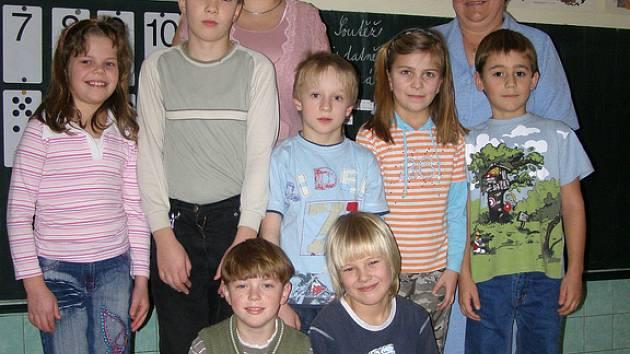 Za vítězství v soutěži obdrželi žáci ZŠ Olešná šek na 100 000 korun.