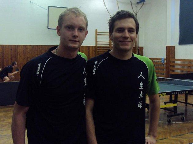 Dvojice M.Štepka ( vlevo ) a Jan Cafourek sbírají v deblu pravidelně body ve III.lize