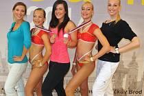Klára Hlaváčková, Giulia Berti, Markéta Vondráčková, Valentýna Karhánková a Lucie Břinčilová na závodech II. výkonnostní kategorie.