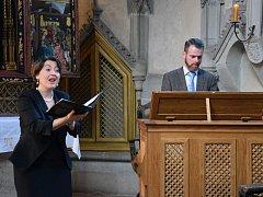 Úspěšným koncertem letošního Varhanního léta bylo i vystoupení Adama Víktory a Gabriely Eibenové v křivoklátské kapli.
