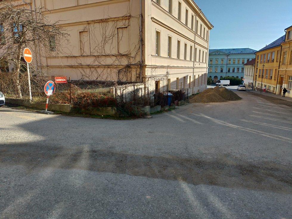 Revitalizace ulic Martinovského a V Hradbách v Rakovníku.