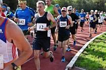 KRUŠOVICKÝ Josef Beránek (č. 12) je jediným běžcem v historii Kladenského maratonu, který běžel všech 15 ročníků.