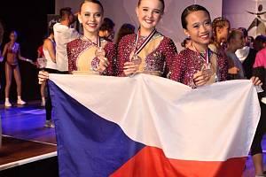 Gabriela Uriková, Sabrina Nguyen a Marie Doležalová získaly na světovém šampionátu v aerobiku v nizozemském Leidenu bronz.