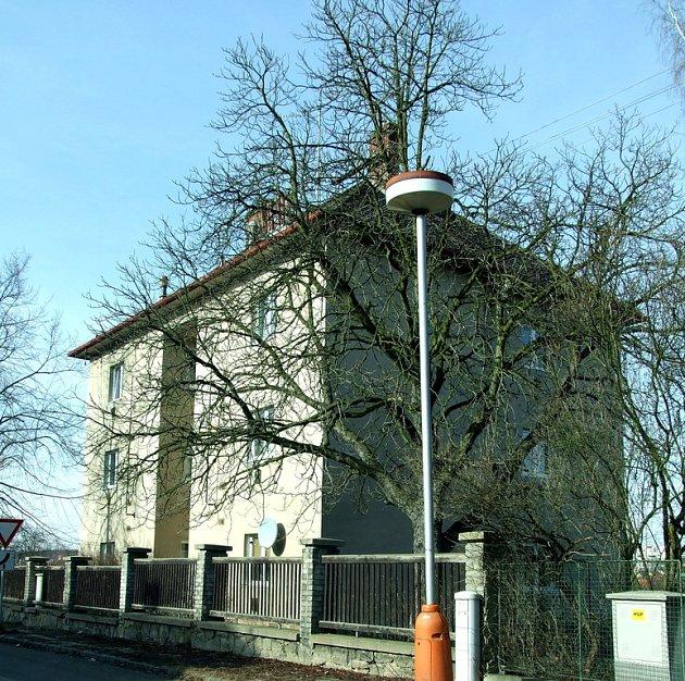 Bývalá ubytovna v ulici S. K. Neumana.