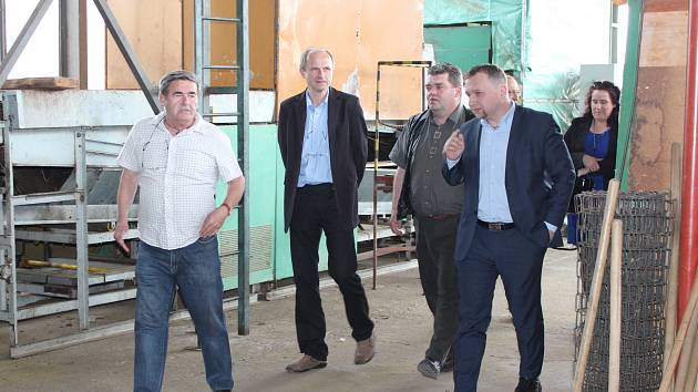 Ministr zemědělství Marian Jurečka navštívil LUPOFYT Chrášťany