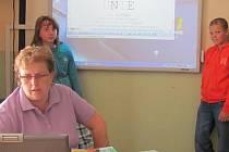 Mutějovická škola má mimo jiné novou interaktivní tabuly