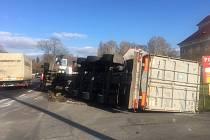 Nehoda kamionu v Krušovicích.