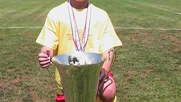 Tomáš Bystřický s pohárem pro vítěze