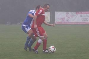 Z fotbalového utkání okresního přeboru Zavidov B - Pustověty (3:1)