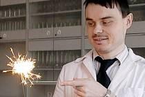 Vyučující chemie Kamil Březina