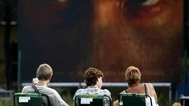 Řbitov zviřátek v zoo? Po prohlídce lidé uvidí filmy, letní kino má premiéru
