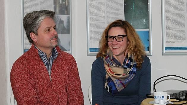 Přednáška k výstavě Památky osiřelé v Galerii Samson-Caféé v Rakovníku.