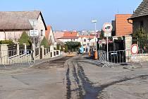 Na Zátiší v Rakovníku se právě pracuje na rekonstrukci ulic Malinovského, Rejčkovy, Rubínovy a Burianovy.
