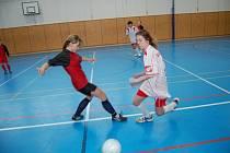 Do žákovského turnaje se v některých týmech zapojily i dívky.