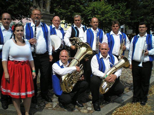 Dechový orchestr Modrá Muzika Zdeňka Thumy.