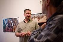 Vilém Žák si pro zájemce připravil komentovanou prohlídku ke své výstavě fotografií Afrika ještě žije.