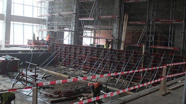 V Rakovníku pokračuje přestavba plaveckého areálu na menší aquapark