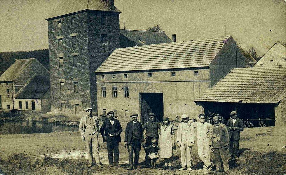 Šanov, pohled na Patrákův mlýn r. 1932.