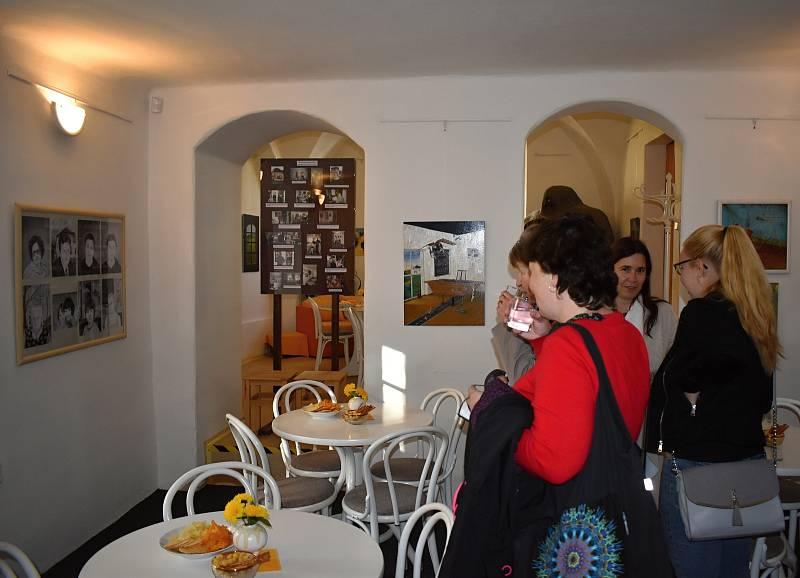 Slavnostní vernisáž Slávka Blažka - Obrazy v Galerii Samson Cafeé v Rakovníku.