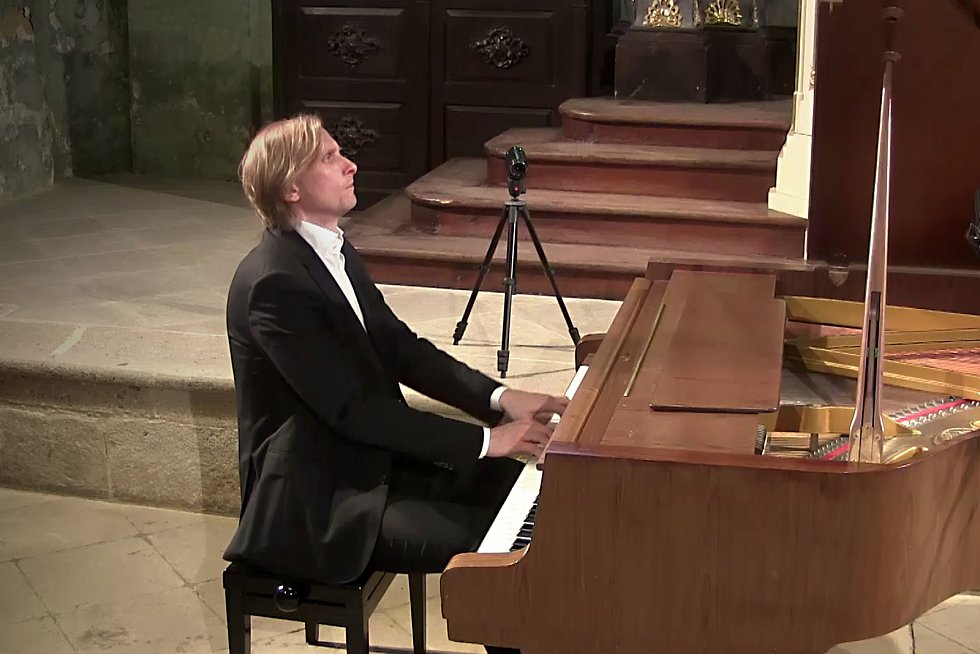 Koncert klavíristy Iva Kahánka.