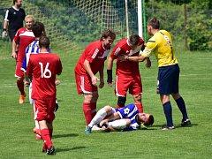Fotbalisté rezervy Zavidova překvapivě zdolali vedoucí Lány 2:0.