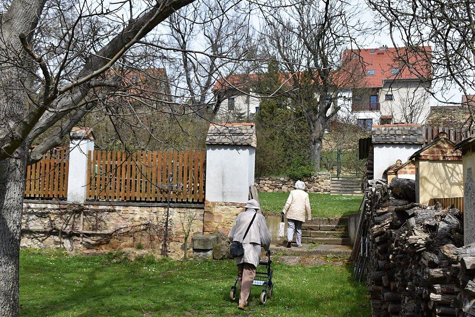 Farní zahrada v Rakovníku se otevřela veřejnosti u příležitosti Dne Země.