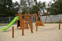 Nová herní sestava v rozšířeném areálu čistecké školy.