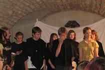 Podvečer v muzeu patřil mladým hercům