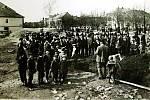 Položení základního kamene sokolovny 30. 3. 1913.