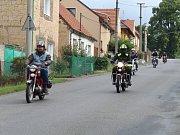 Jízda historických vozidel do vrchu Džbán.