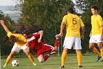 Zavidov (v červeném) sice bojoval a vedl 2:0, ale dál v poháru jdou Tuchlovice, vyhrály 5:2.