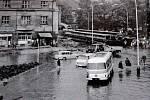 Křižovatka Na Ovčíně na konci 60. let minulého století. V té době již bez původního Živnodomu.