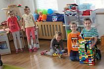 Děti z Modrých pastelek MŠ Vinohrady zanedlouho čeká nástup do prvních tříd základních škol.