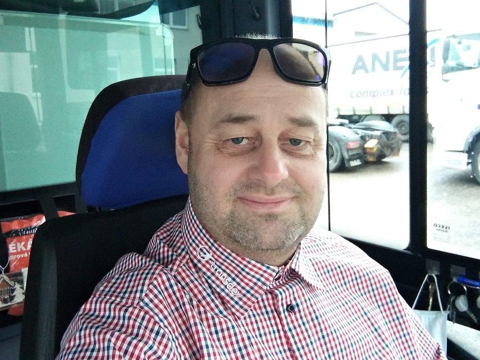 Antonín Vydra, řidič autobusu.