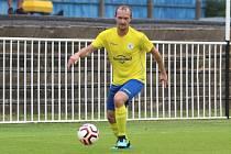 SK Rakovník B (ve žlutém) přehrál doma v přípravě Lubnou jasně 5:0.