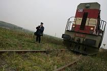 Muž zemřel pod koly vlaku nedaleko Lužné